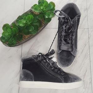 Mossimo Gray Velvet Sneakers w/ Ribbon NWT Size 6